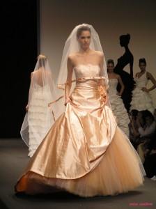 121108910c34 Renato Savi  la magia rinnovata degli abiti da sposa