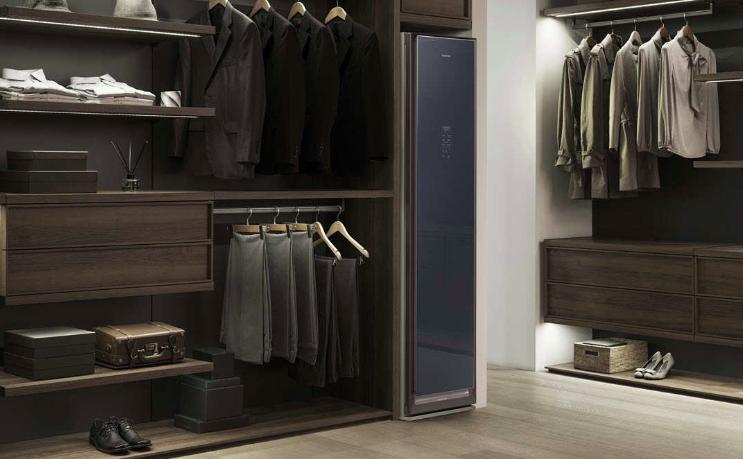 AirDresser: l'armadio di Samsung che igienizza e stira gli abiti